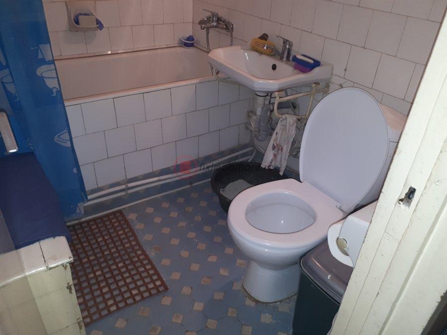 Podu Piatra 3 camere decomandat etajul 2